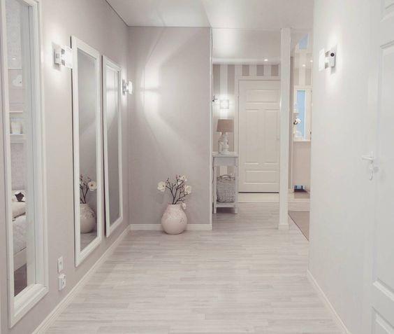 tonos claros en paredes y puertas blancas para reformar pisos en alquiler o venta