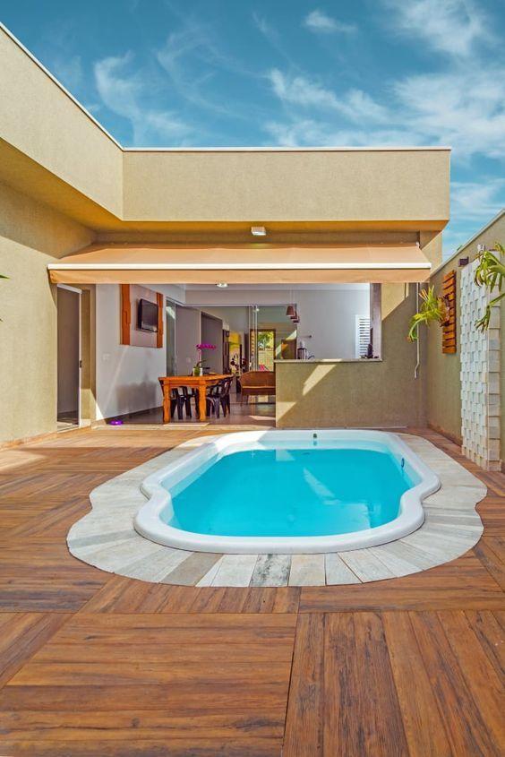 piscinas de poliéster reforzado