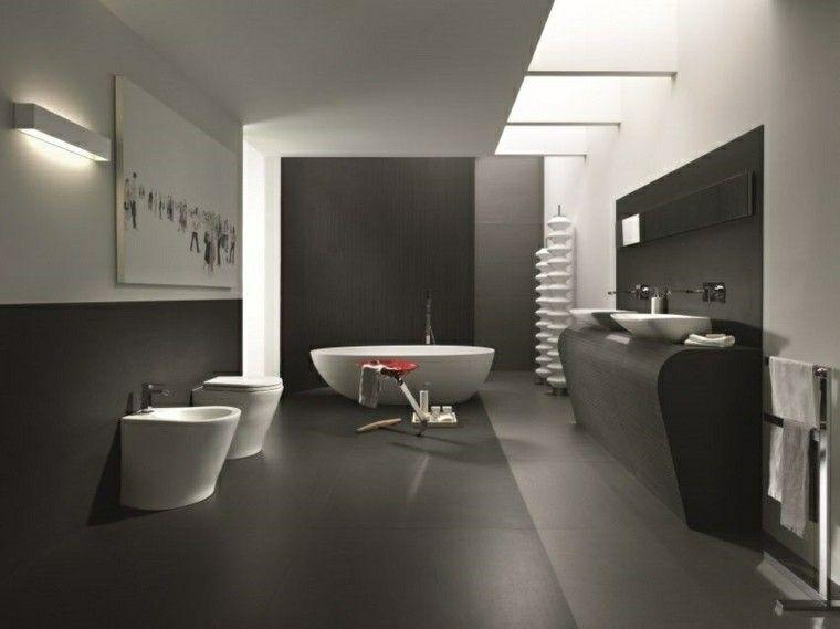 baños en color gris