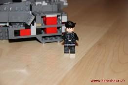 Lego - Set 75104 Kylo Ren's Command Shuttle - image 14