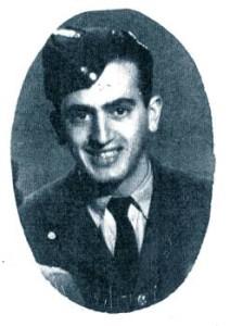 Ο Λευτέρης Διακογιάννης το 1943 στην Αλεξάνδρεια