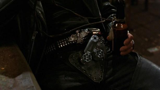 Codpiece revólver en Dusk til dawn, Abierto hasta el amanecer arma de entrepierna.