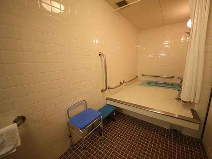 金沢東急ホテルのハンディキャッパールームのバスルーム