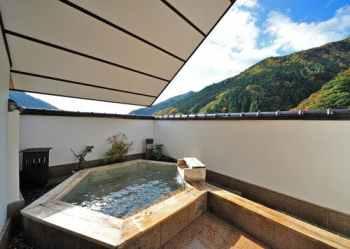 【谷川温泉 旅館たにがわ】の貸切露天風呂