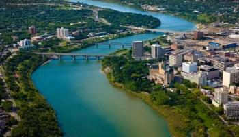 Cidade de Saskatoon, Saskatchewan que está contratando pessoas para trabalhar no Canadá