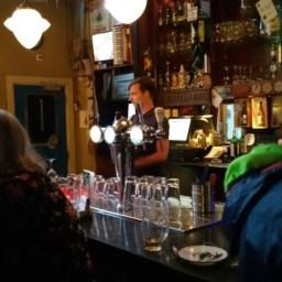 De bar ging open