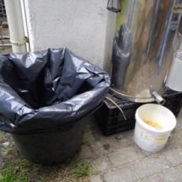 Vergeet de vuilnisbak en -zak niet