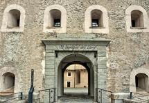 immagini-del-lario-castello-di-bard-aosta (4)