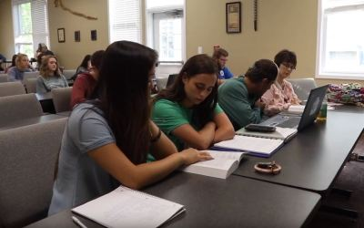 """Video Story: University Students' Lives """"Rocked"""" Reading Immerse"""