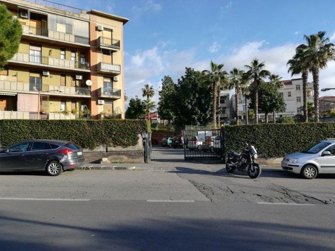 Splendido garage sito a Catania in Via Barletta. 50 mq circa pulito e asciutto.
