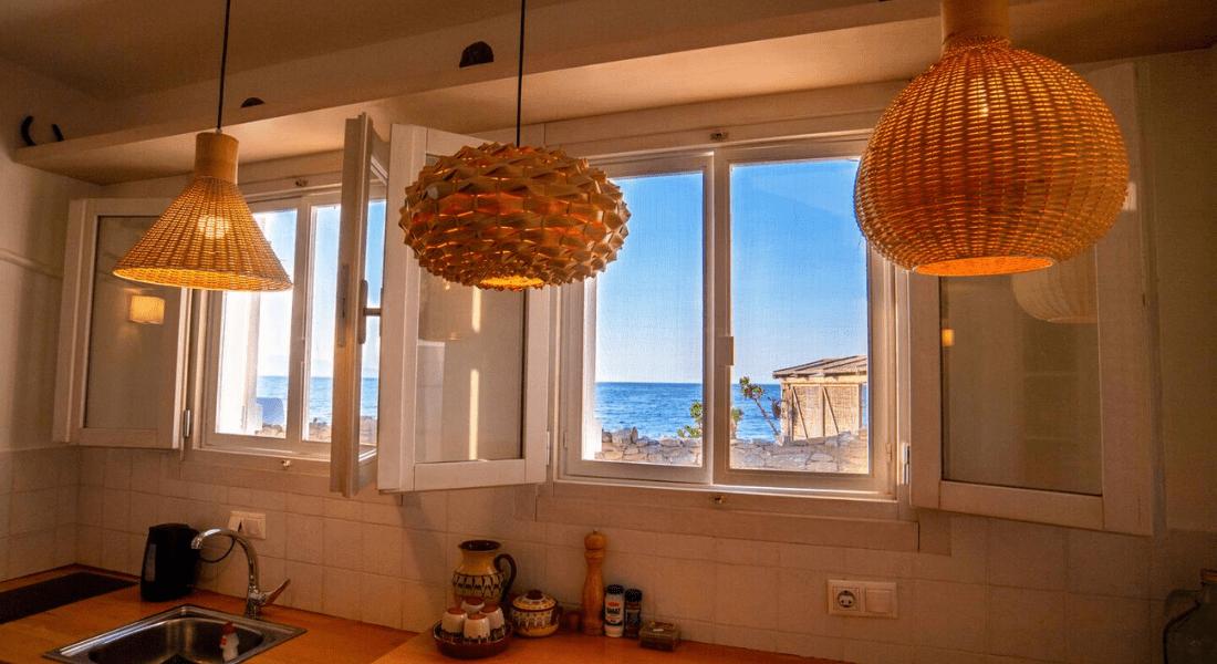 Grèce_ Maison en front de mer -4