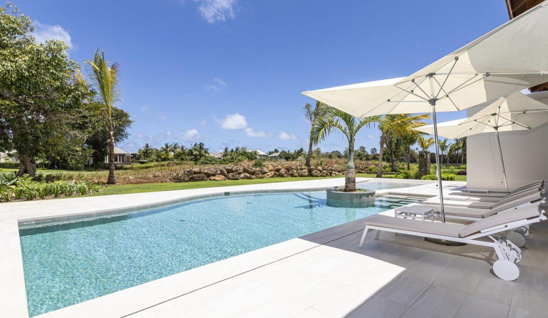 villa ile Maurice, Villas élégantes et raffinées avec piscines et jardins privés, Maisons de charme pieds dans l'eau.