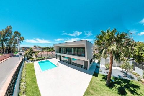 Villa sur un terrain de 841 m2 vous pourrez profiter de la Costa del Sol 0
