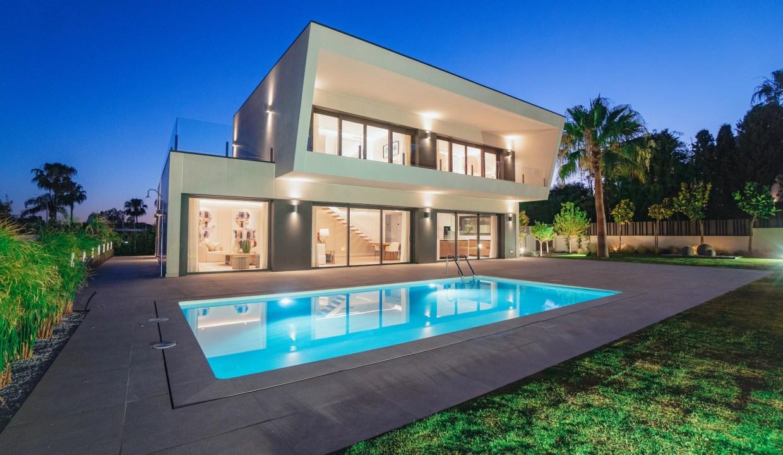 Villa sur un terrain de 841 m2 vous pourrez profiter de la Costa del Sol 11
