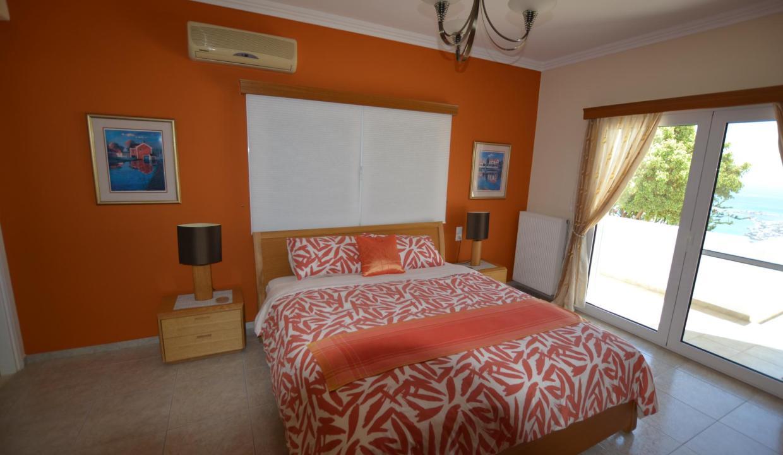 Vue panoramique sur la Méditerranée villa 4 chambres 220m2 licence EOT26