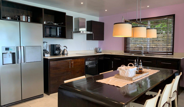Appartement de 3 chambres pied dans l'eau à vendre Trou d'Eau Douce35