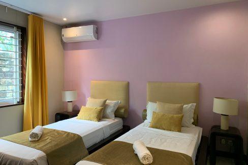 Appartement de 3 chambres pied dans l'eau à vendre Trou d'Eau Douce46