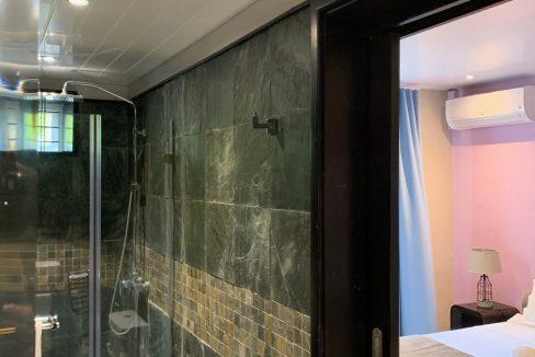 Appartement de 3 chambres pied dans l'eau à vendre Trou d'Eau Douce47