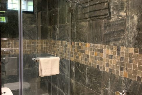 Appartement de 3 chambres pied dans l'eau à vendre Trou d'Eau Douce49