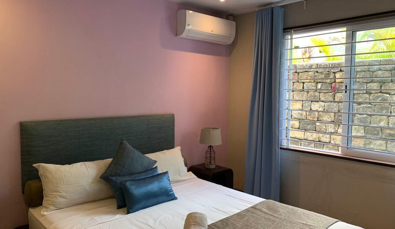 Appartement de 3 chambres pied dans l'eau à vendre Trou d'Eau Douce54