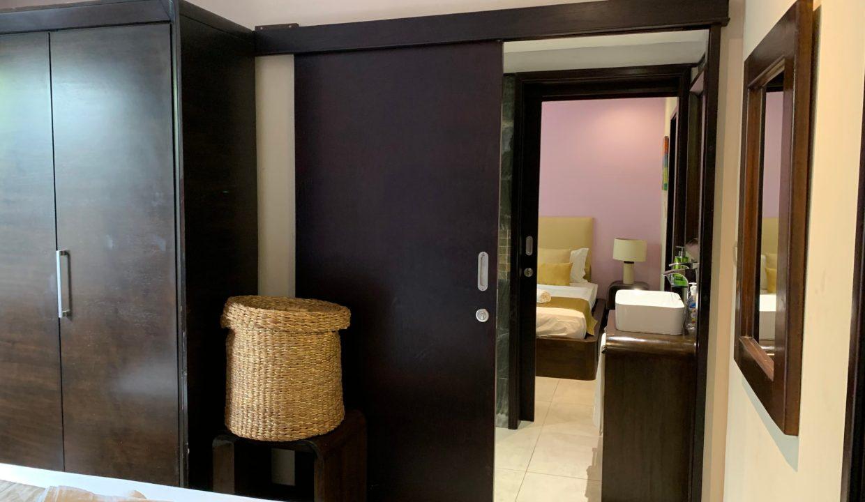 Appartement de 3 chambres pied dans l'eau à vendre Trou d'Eau Douce56