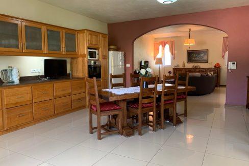 Jolie villa sécurisée avec vue sur mer et les îles du Nord à Calodyne13