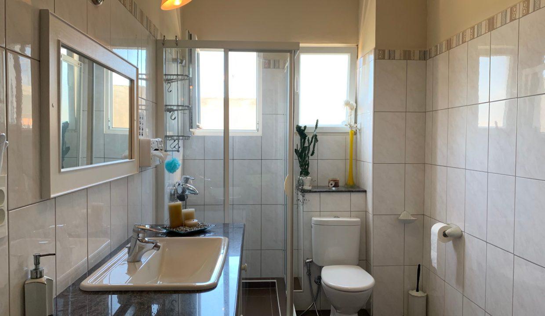 Jolie villa sécurisée avec vue sur mer et les îles du Nord à Calodyne17