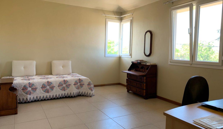 Jolie villa sécurisée avec vue sur mer et les îles du Nord à Calodyne24