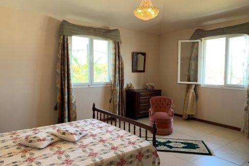 Jolie villa sécurisée avec vue sur mer et les îles du Nord à Calodyne25