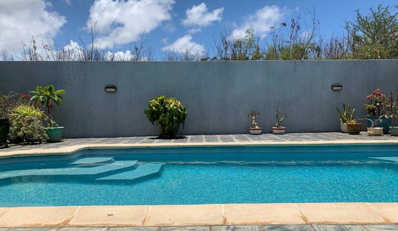 Jolie villa sécurisée avec vue sur mer et les îles du Nord à Calodyne4