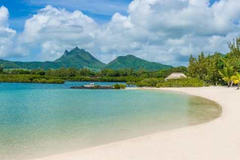 Four-Seasons-Resort_MAURITIUS-AT-ANAHITA_A-SECLUDED-OASIS-AT-THE-EDGE-OF-AN-IDYLLIC-LAGOON0