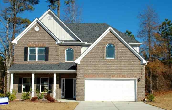 Quelles sont les principales exigences pour pouvoir acheter une maison ?