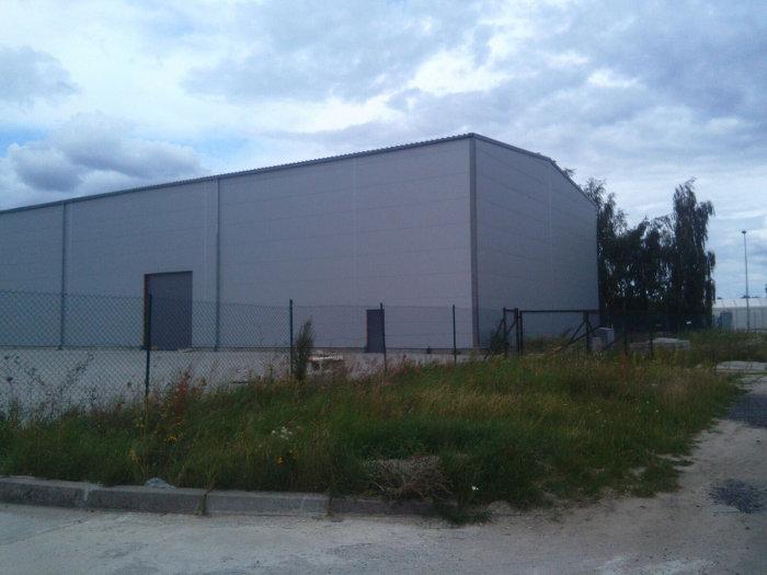 Seitenansicht Lagerhalle Polen zu verkaufen - Lagerhalle in Polen
