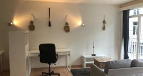 Gemeubelde 2-persoonsstudio met groot terras, Nederkouter! (Ref:52V)