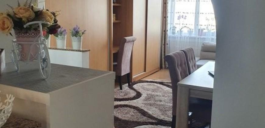 Apartament cu 3 Camere in Zona George Enescu