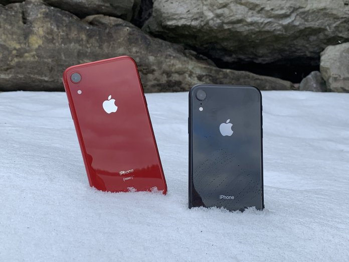 iPhone XR in snow
