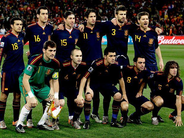 Grandes feitos  Campeã da Copa do Mundo da FIFA (2010) e Bicampeã da  Eurocopa (2008 e 2012). 5a2f528fdbb55