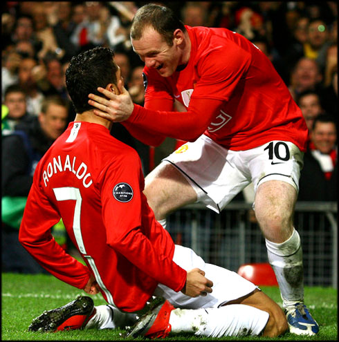 cristiano-ronaldo-553-on-his-knees-celebrating-goal-with-wayne-rooney-in-manchester-united-2008-2009