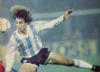 Argentina_1991_Home_Adidas_CopaAMerica_ML_9_Batistuta_jugador_01