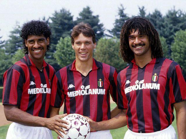 Rijkaard - van Basten - Gullit: simplesmente incríveis com a camisa do Milan.