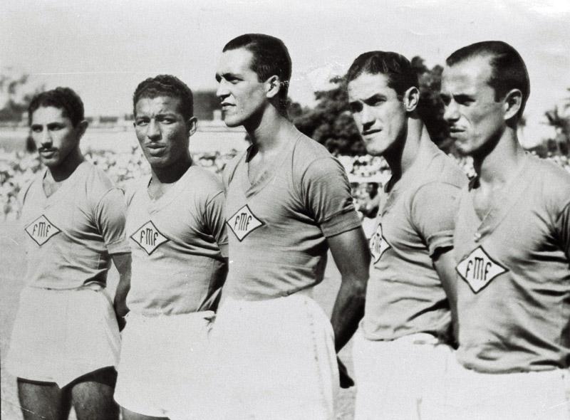 Djalma Bezerra, Zizinho, Heleno de Freitas, Ademir e Nívio, pela seleção carioca.