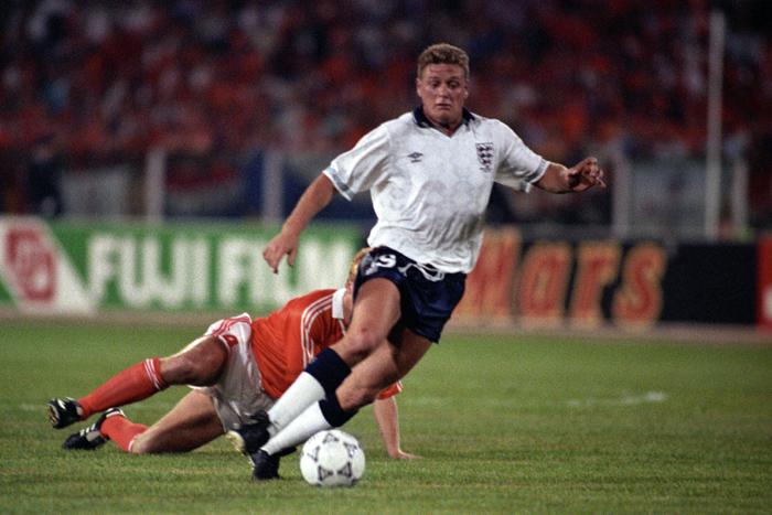 Soccer - FIFA World Cup Italia 90 - Group F - England v Netherlands - Stadio Sant'Elia, Cagliari