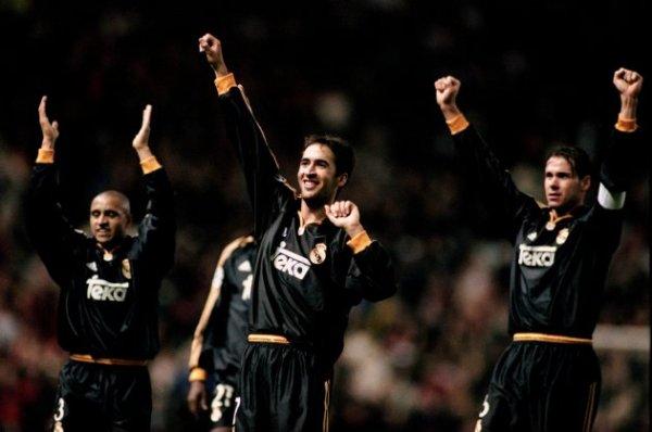 Roberto Carlos, Raúl e Redondo vibram com a inesquecível vitória em 2000.