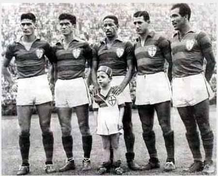 Julinho Botelho, Renato, Nininho, Pinga e Simão: a linha de frente mais famosa da história da Lusa.