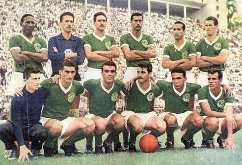 A Academia do Palmeiras dos anos 60 é um dos maiores esquadrões da história do futebol brasileiro.