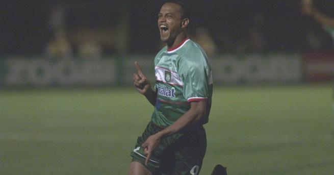 Tuta vibra: o Palmeiras era o virtual campeão da Copa Mercosul de 2000 ao término do primeiro tempo.