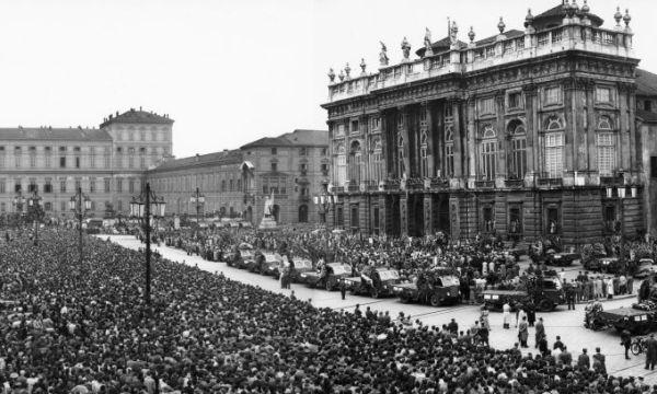 Meio milhão de pessoas acompanharam o funeral do Grande Torino.