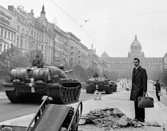 """Depois da """"Primavera de Praga"""", a Tchecoslováquia esperava por tempos melhores naqueles anos 70."""