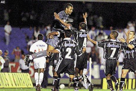 ... E os jogadores do Corinthians fazem a festa!
