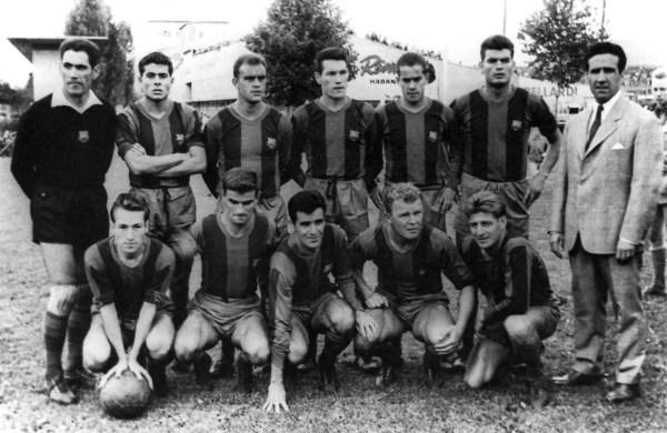 Herrera posado com seu super Barcelona. Em pé: Ramallets, Olivella, Brugue, Segarra, Luis Suárez, Gensana e o mago Herrerra. Agachados: Tejada, Kocsis, Evaristo, Kubala e Czibor.